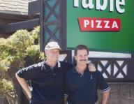 Round Table Pizza Concord.Bill Larson Founder Of Round Table Pizza Dead At 73 Pizza